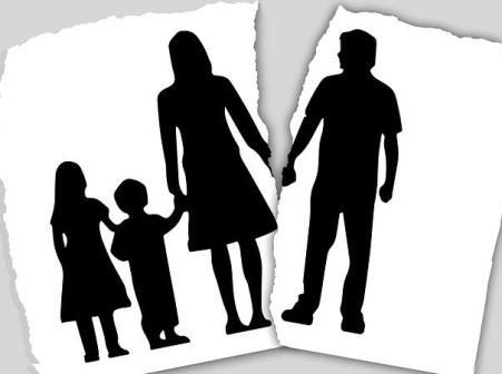 family-3090056__480
